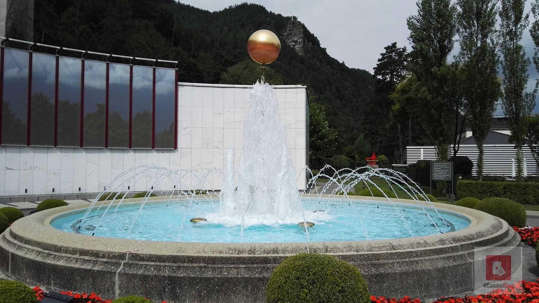 Der Brunnen vor dem Casino