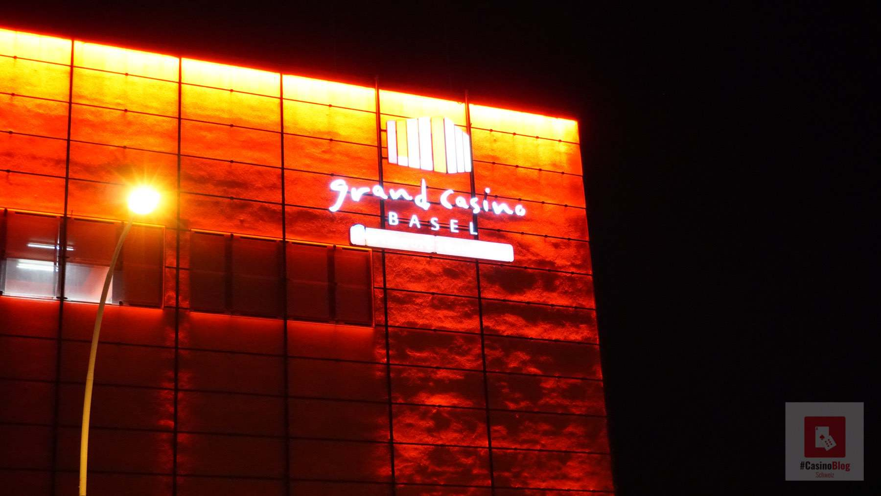 Casino Logo bei Nacht